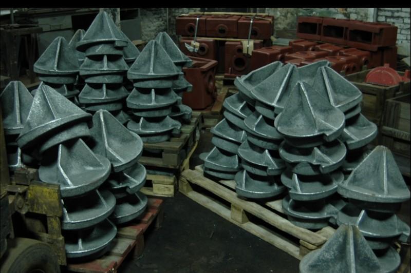 keels in ductile iron and in cast steel, lead bulbs and other ferrous and non-ferrous castings directly from Polish foundry. Giesserei Polen, Gjuteri, Stoeperi, Stoeberi, Valimo, Slevarna, Polsko. Zlievaren, Gieterij, Fonderia, Polonia, Fonderie, Pologne,