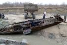 Tajemniczy wrak z podczelskiej plaży wydobyty (wideo)