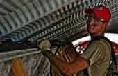 Komuda: bez wyższych płac utykamy w roli kraju peryferyjnego, montowni i call center