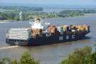 Do Portu Gdynia płynie najdłuższy kontenerowiec w historii portu