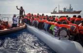 Juncker: Włochy mają rację, domagając się solidarności ws. migracji