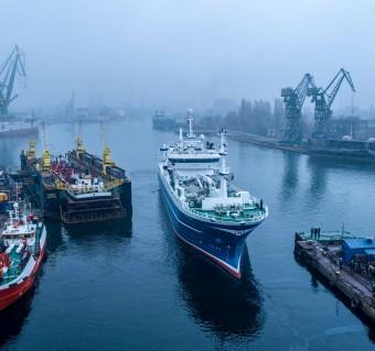 Kolejny ciekawy projekt stoczni Alkor - przedłużyli statek rybacki [foto,wideo]