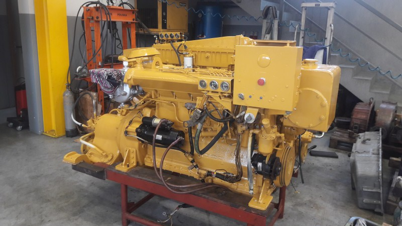 Caterpillar marine diesel engine 3406 with transmission