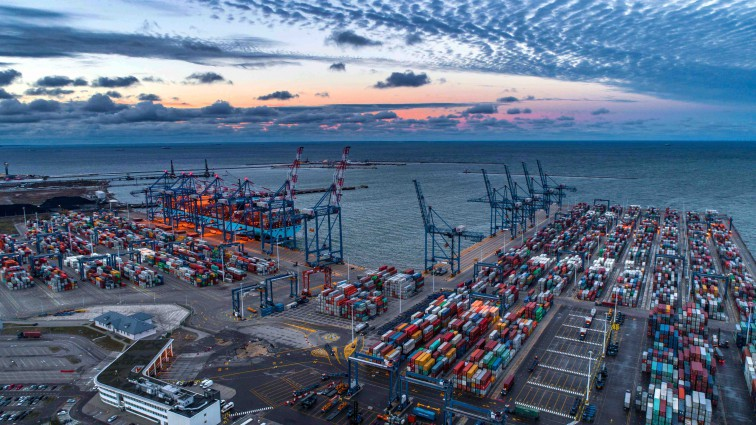 For the first time in history, cargo turnover in Polish seaports exceeded 100 million tonnes