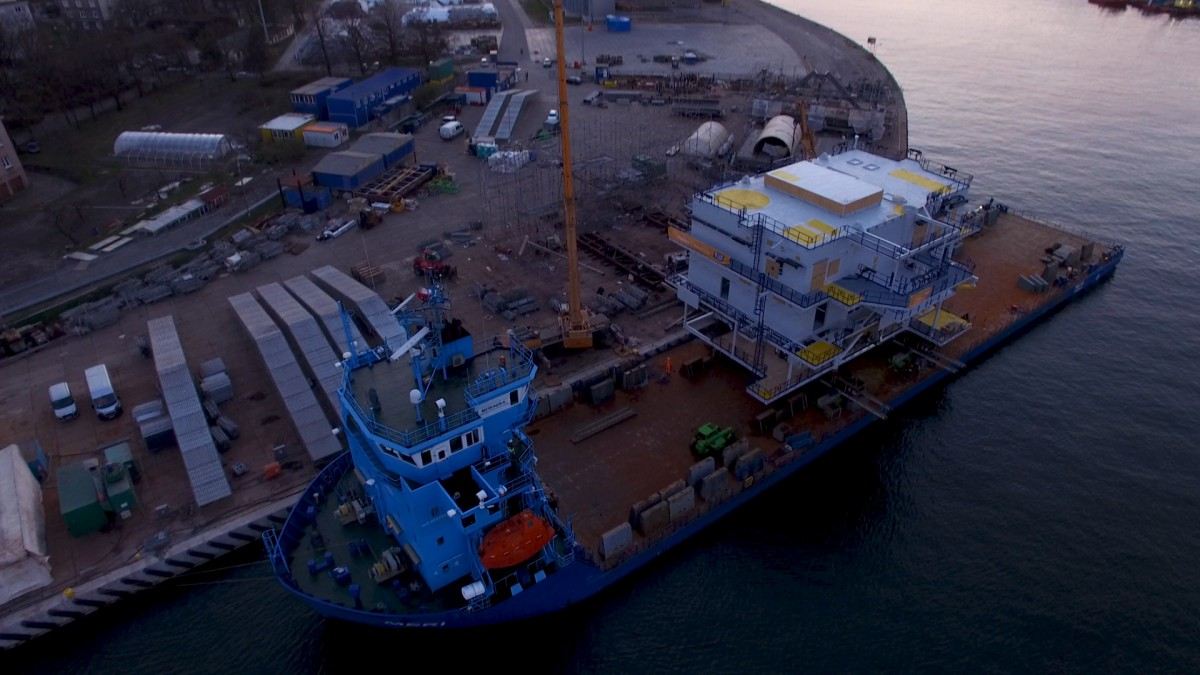 The 380-ton transformer substation produced by Polish firm left Gdansk en route to Denmark. Watch video of the loading (photo, video)