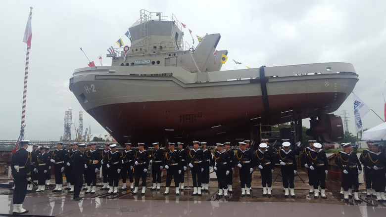 Polish Navy christens third tugboat in Remontowa Shipbuilding