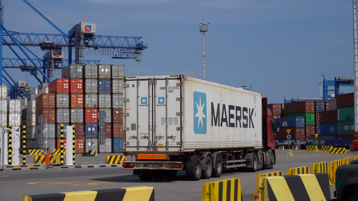 Maersk has launched a new AE19 ship-train-ship service from the Far East to Gdansk (photo, video)