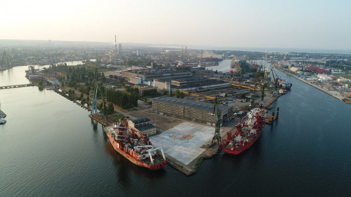 A mounting plate and a hall for shipbuilding production were commissioned in Gdansk(photo, video)