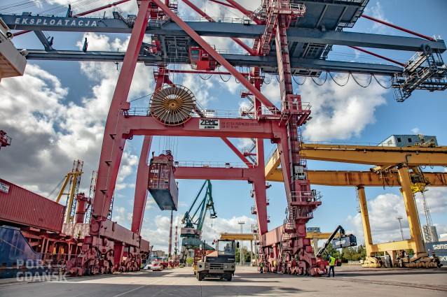 New containership service at Port Gdańsk