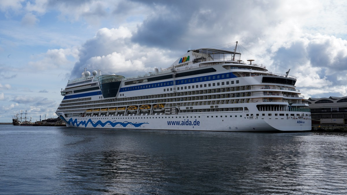 AIDAmar arrival ended cruise season at the Port of Gdynia. 118 thousand passengers came this year (photo, video)