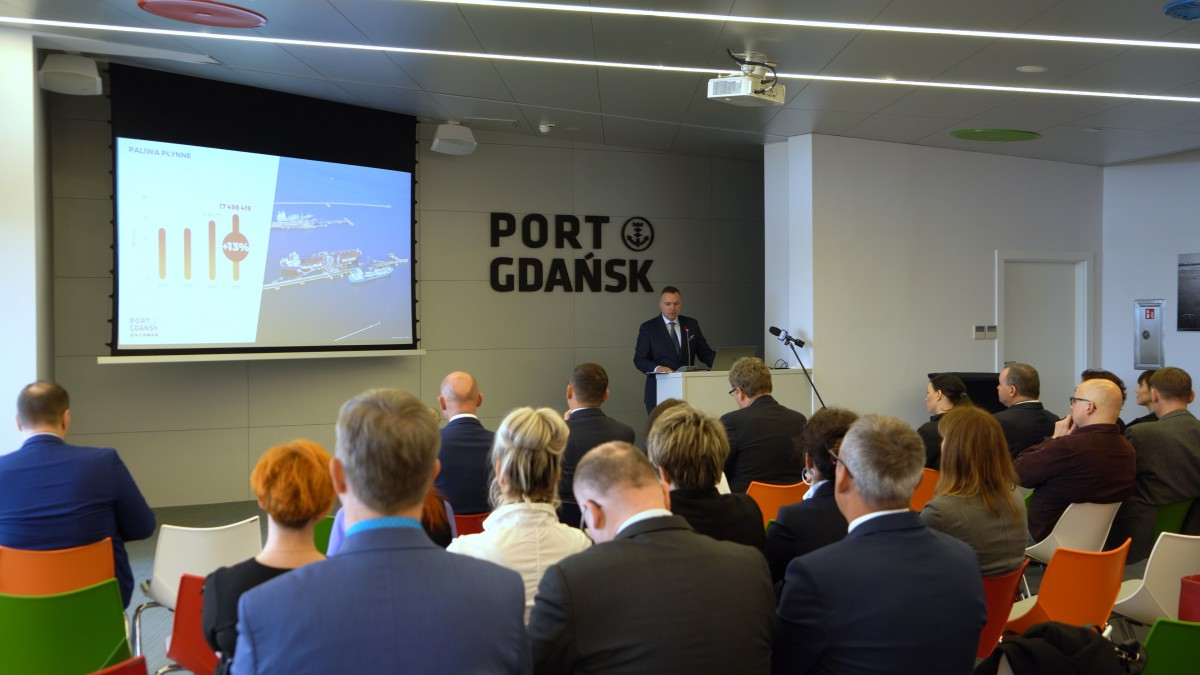 The Port of Gdansk breaks the Polish record in transhipments! 52 million tonnes in 2019