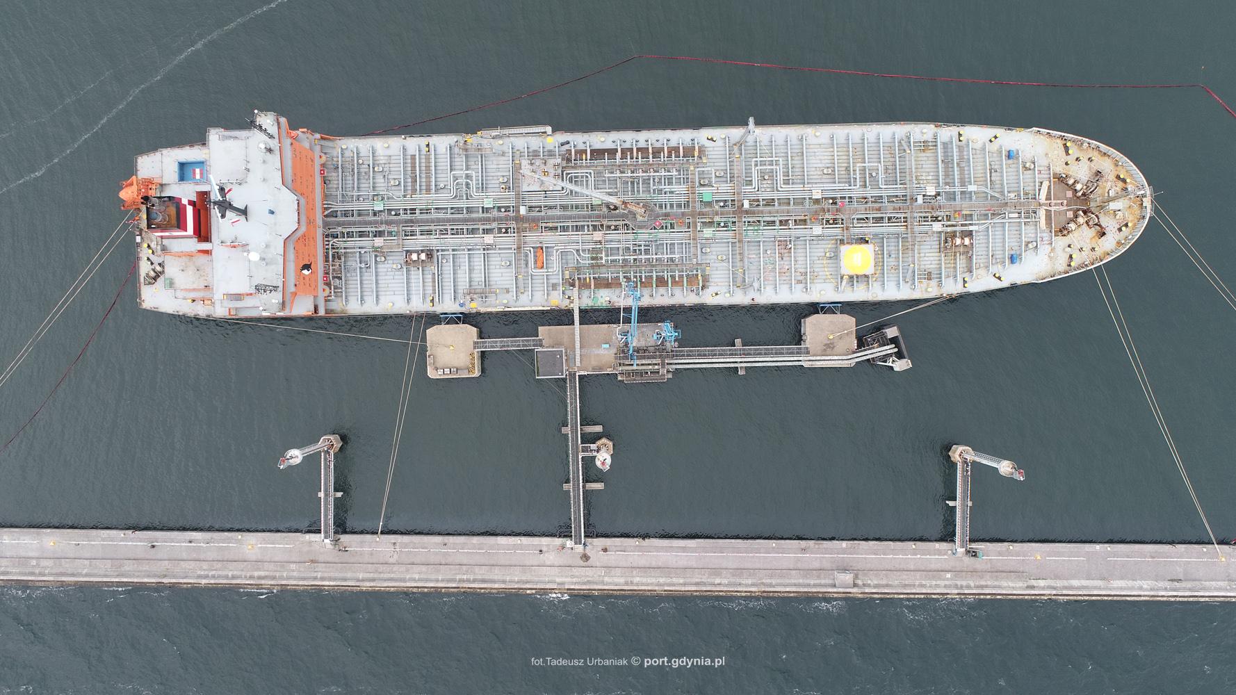 Record cargo handling of diesel oil in Port Gdynia