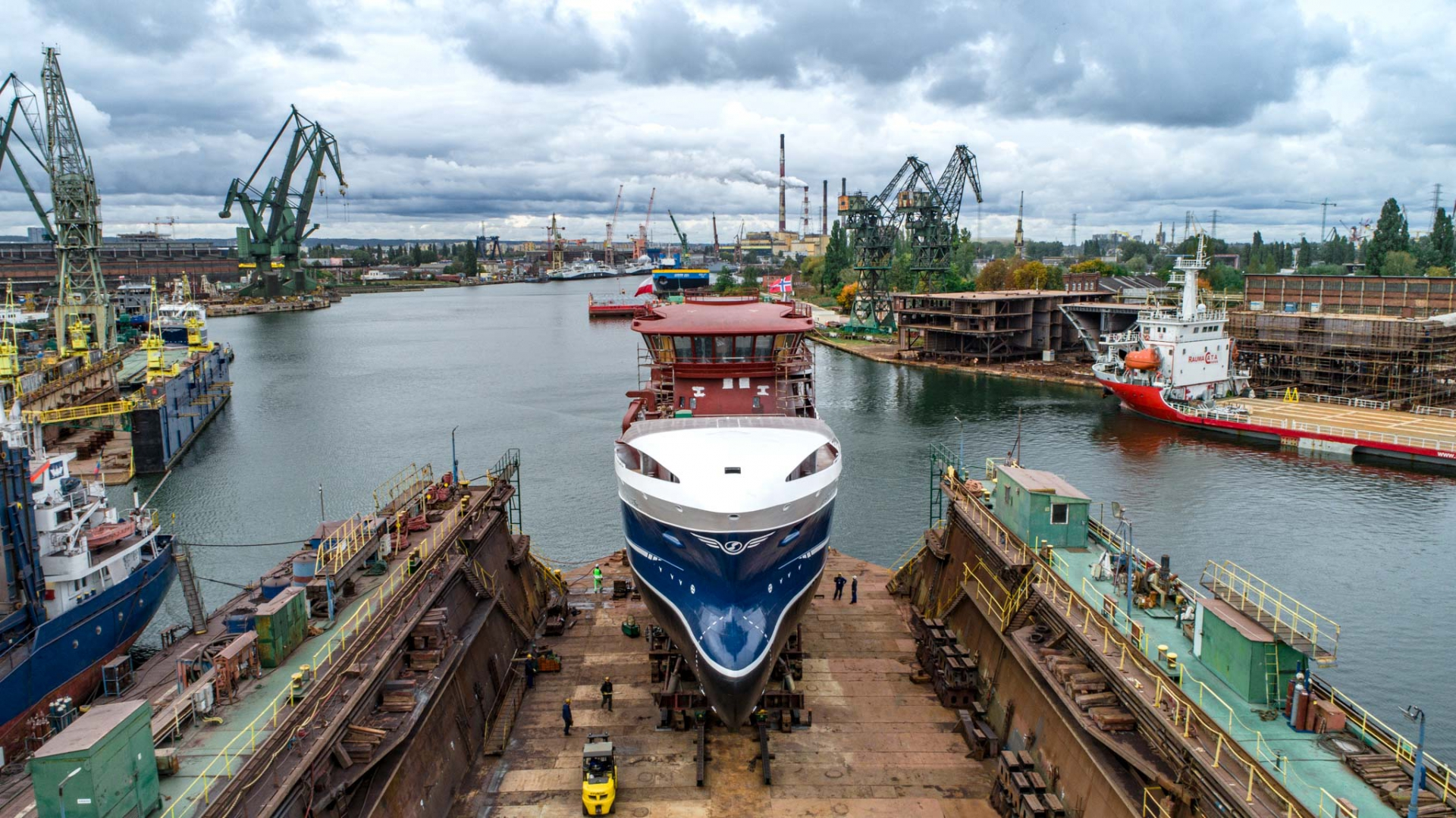 Safe Shipyard launched a fishing vessel for Norwegians (photo, video)