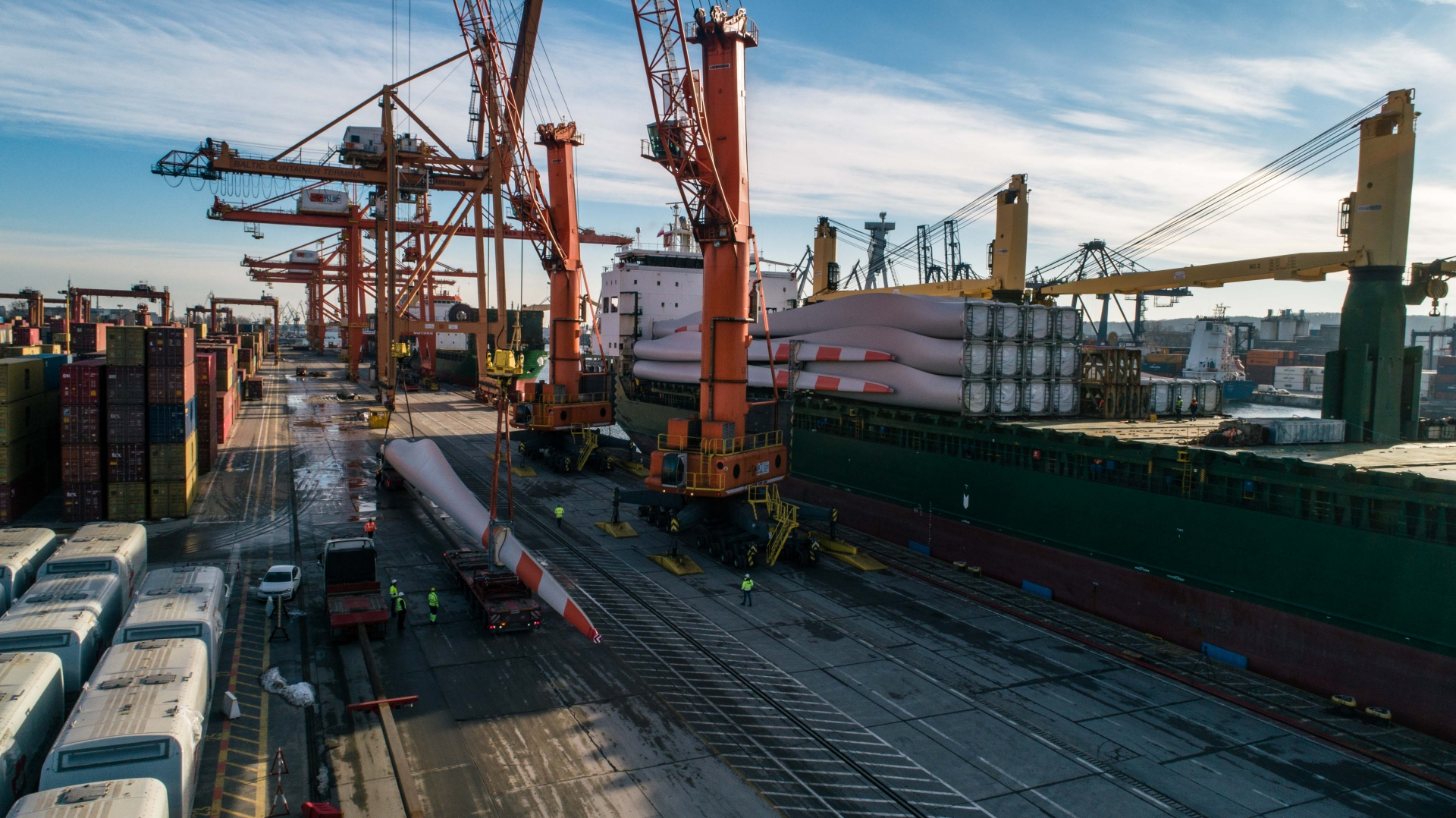 The Port of Gdynia is becoming a hub for wind turbine elements [photo, video]