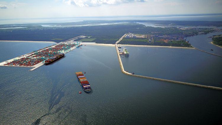 Container terminal in Świnoujście – an opportunity for the port and city developent