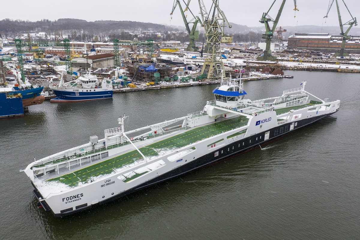 Electric ferry Fodnes from Remontowa Shipbuilding sailed to Norway
