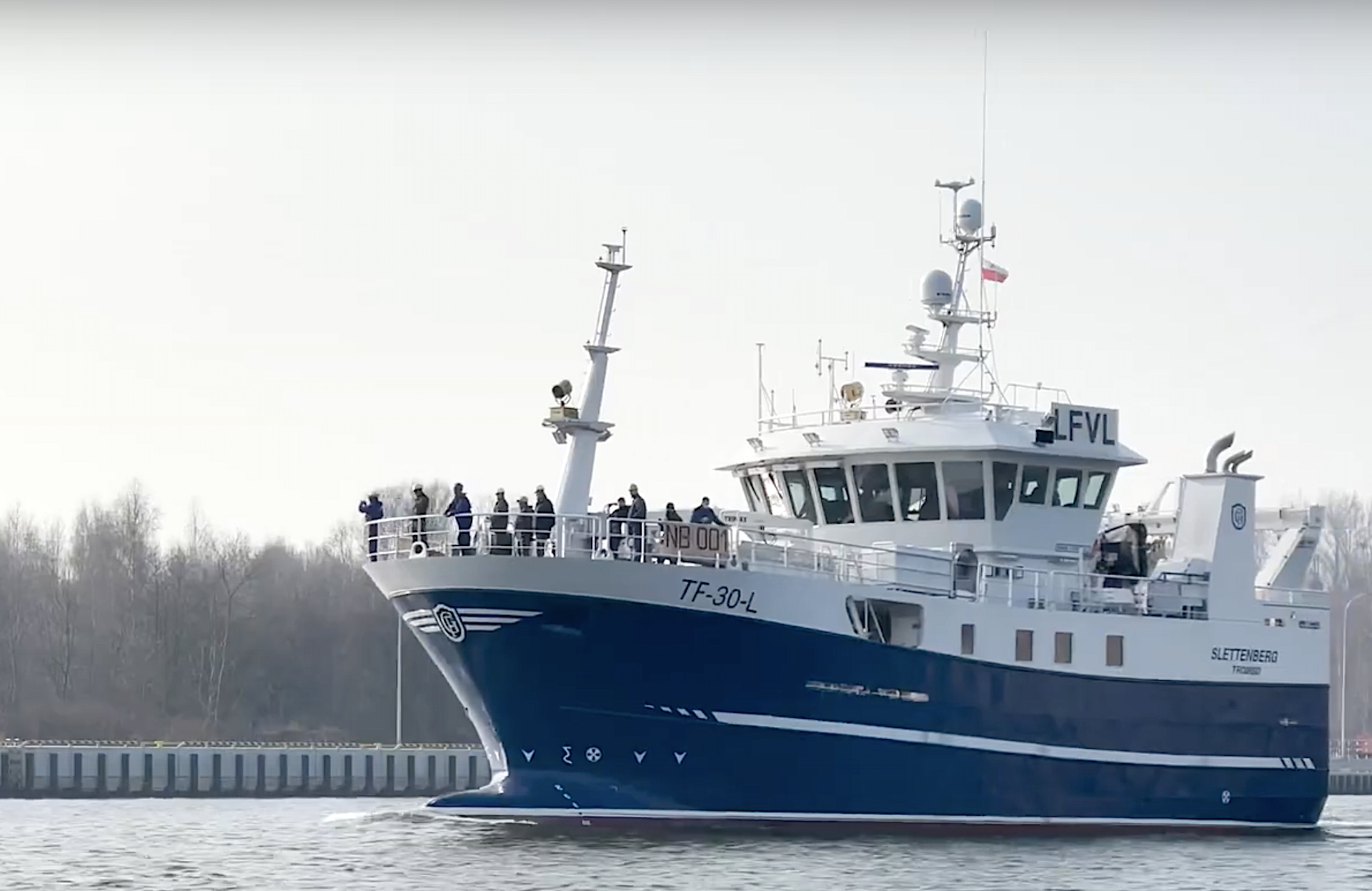Fully equipped vessel built at Safe shipyard in Gdańsk started sea trials [video]