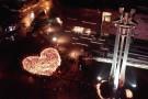 Największe serce świata– w hołdzie dla Pawła Adamowicza zapłonęły znicze