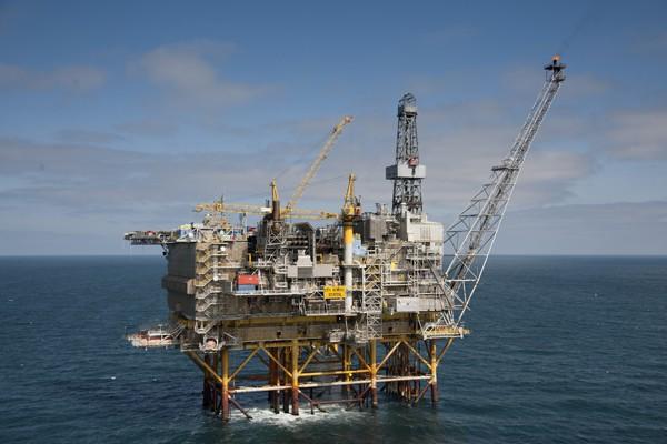 podłączenie offshore i znaczenie uruchomienia spotyka się z zabytkowym zegarkiem Bulova