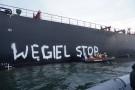 Aktywiści Greenpeace blokują transport węgla do Polski (foto)