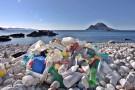 UE: Co minutę do Morza Śródziemnego trafia 30 tys. plastikowych butelek