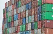Coraz więcej kontenerów piętrzy się w Szanghaju. Powodem koronawirus