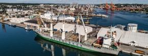 Załadunek olbrzymich szpul w OT Port Gdynia (foto, wideo)