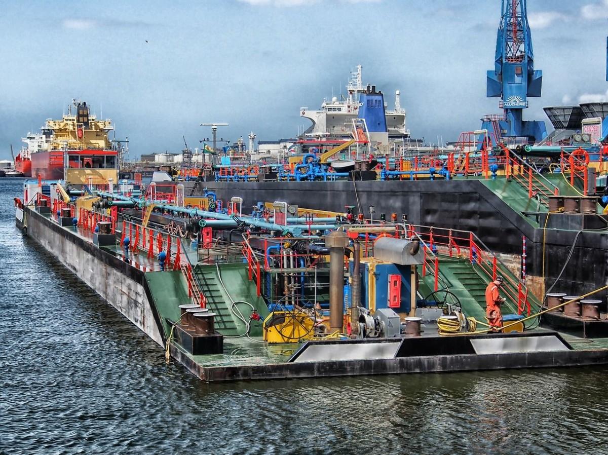 Proces podłączenia na morzu