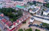 Elbląg: Woda opada, strażacy monitorują rzekę Wąską