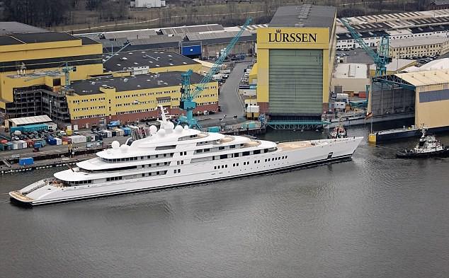 Zobacz największy jacht świata należący do arabskiego miliardera - GospodarkaMorska.pl