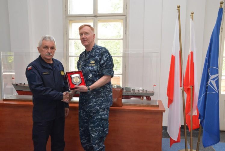 Wizyta Dowódcy 6. Floty USA w COM-DKM - GospodarkaMorska.pl