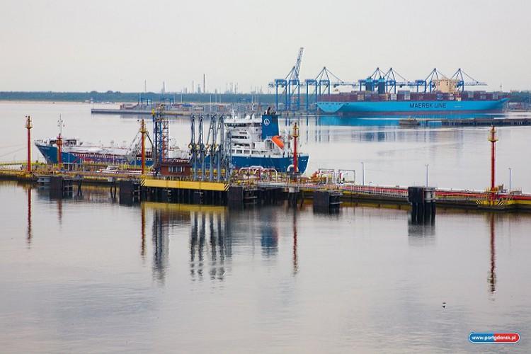 W Porcie Gdańsk otwarto nowe stanowisko statkowe do obsługi paliw płynnych - GospodarkaMorska.pl