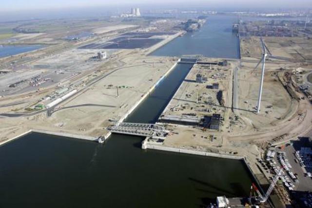 Port w Antwerpii ma nową śluzę - GospodarkaMorska.pl