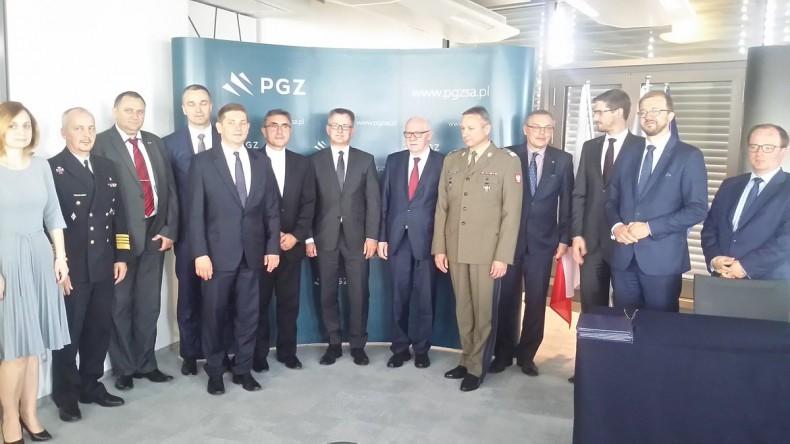 Kolejne uczelnie wyższe rozpoczęły współpracę z Polską Grupą Zbrojeniową - GospodarkaMorska.pl