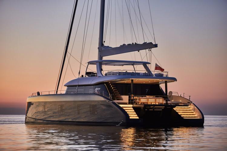 Sunreef Yachts przedstawia pierwsze zdjęcia Sunreef 80 na morzu (foto) - GospodarkaMorska.pl