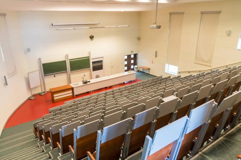 Gowin: Nakłady na naukę i szkolnictwo wyższe w 2019 r. wzrosną o 1,35 mld zł - GospodarkaMorska.pl