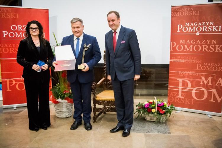 Zarząd Morskiego Portu Gdynia uhonorowany statuetką Orła Pomorskiego - GospodarkaMorska.pl