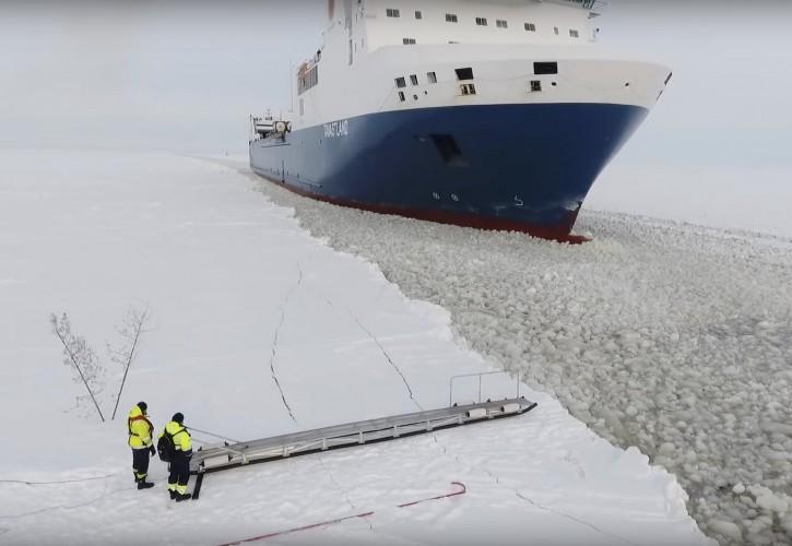 Ten film to hit internetu - kwintesencja pracy na morzu w zimowych warunkach [zobacz wideo] - GospodarkaMorska.pl