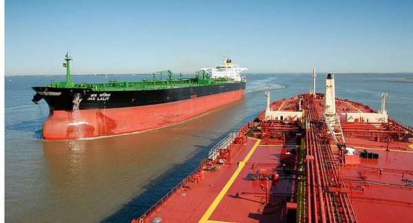 Puste supertankowce płyną do USA. To znak czasów - GospodarkaMorska.pl