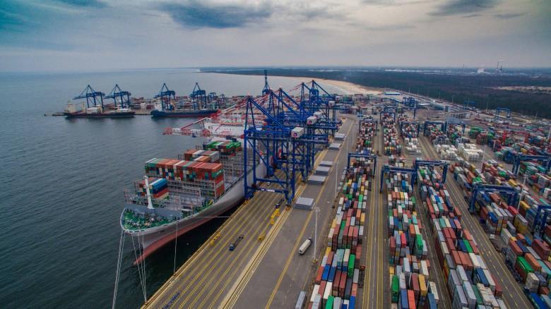 PFR i dwie zagraniczne firmy przejmują DCT Gdańsk - największy terminal kontenerowy w Polsce - GospodarkaMorska.pl
