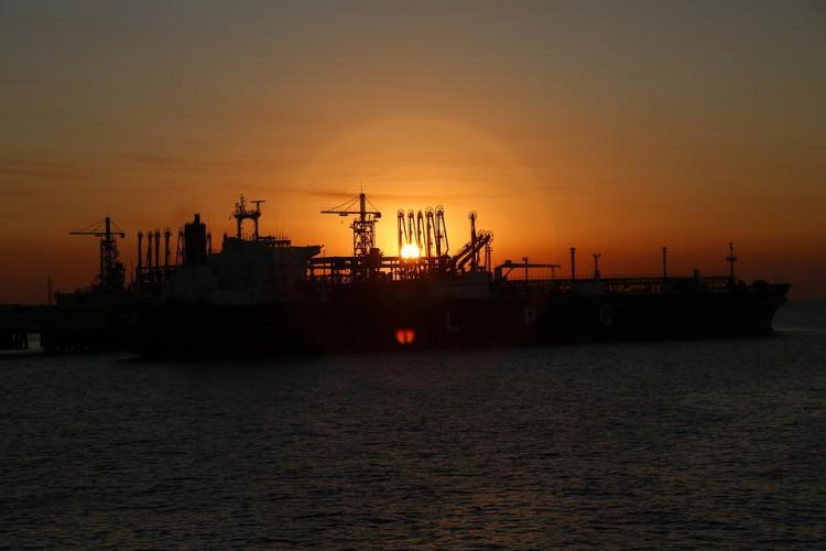 Arabia Saudyjska: Atak dronów na przepompownie ropy naftowej - GospodarkaMorska.pl