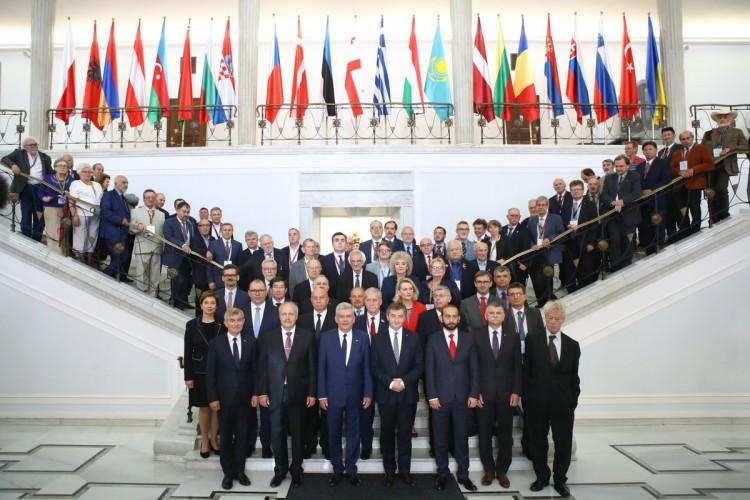 Karczewski: Zagrożenie ze strony Rosji czyni utrzymanie jedności państw NATO żywotnym interesem państw wschodniej flanki - GospodarkaMorska.pl