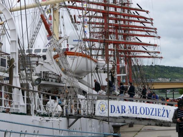 Dar Młodzieży dotarł na zlot L'Armada 2019 - GospodarkaMorska.pl
