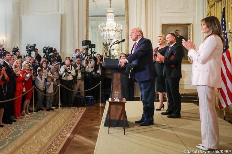 Trump po spotkaniu z Dudą: Chcemy rozszerzać działalność handlową na zasadach wzajemności - GospodarkaMorska.pl