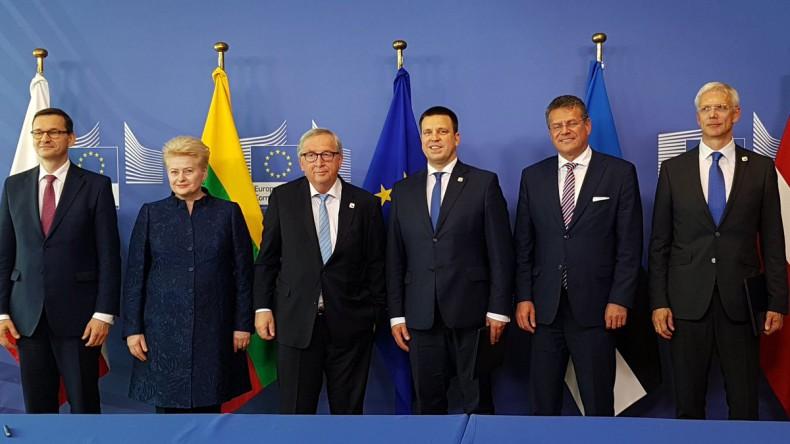Polska, państwa bałtyckie i szef KE podpisali deklarację o synchronizacji systemów elektroenergetycznych - GospodarkaMorska.pl