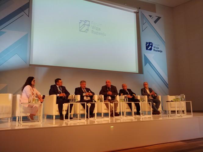 W Gdyni rozpoczęło się II Forum Wizja Rozwoju - GospodarkaMorska.pl