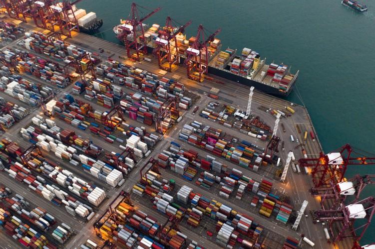 Terminale kontenerowe z Tiencinu połączą siły - GospodarkaMorska.pl