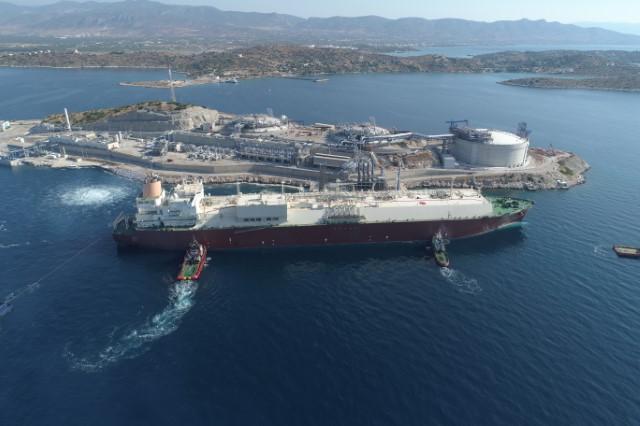 Tankowiec Q-Flex Qatargasu po raz pierwszy dostarczył LNG do greckiego terminalu Revithoussa - GospodarkaMorska.pl