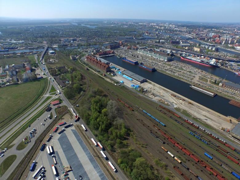Podpisano umowy na poprawę dostępu kolejowego do portów w Szczecinie i Świnoujściu - GospodarkaMorska.pl