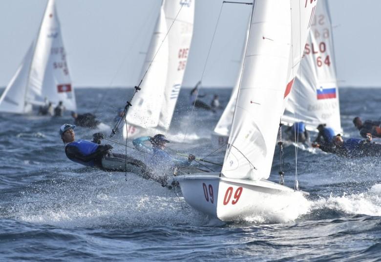 MŚ w żeglarstwie – Skrzypulec i Ogar czwarte w klasie 470 w Japonii - GospodarkaMorska.pl